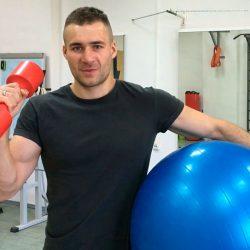 На сайте доступно более 100 видео уроков по фитнесу и 20 тренировочных программ!